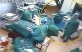 监拍兰考某医院手术室内护士与医生大打出手 连出7记重拳