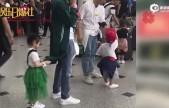戚薇李承铉女儿首度曝光!一家三口机场甜蜜录亲子节目