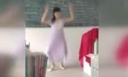 中学女老师讲台上大跳热舞 搭档的男生都羞羞了
