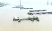 震撼!航拍解放军舟桥旅26分钟搭建横跨长江浮桥
