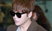 张根硕结束FM返韩 机场遭大批粉丝围堵