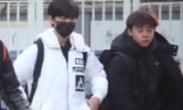 王俊凯参加北京电影学院复试 包裹严实场外候考
