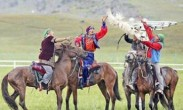 骑马成新疆阿勒泰学生必修课 新疆网友:我不解释了