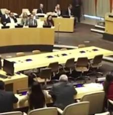 多国代表在联合国怒怼美国 高喊口号狂拍桌子