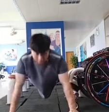轮椅上的舞者,用青春演绎轮椅上的优美与激情