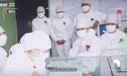 时代勋章x王克荣丨一个动作感动患者 想都没想就从艾滋病人碗里夹过菜吃了