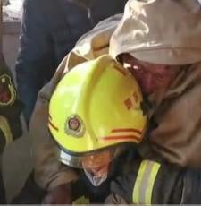 """被困40小时后,响水 """"3·21""""爆炸事故现场一名生还者被救!"""